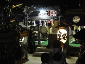 八坂神社へ神輿奉納