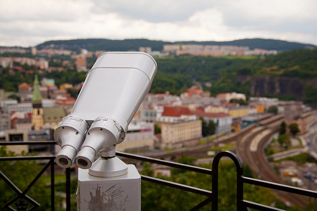 binocular-71520_640