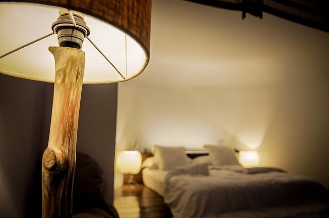 ベッド,ランプ