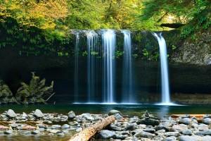 waterfall-802003_640