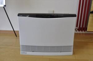 ガス温水ファンコンベクター